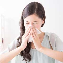 花粉症とアレルギー性鼻炎の原因と治療法